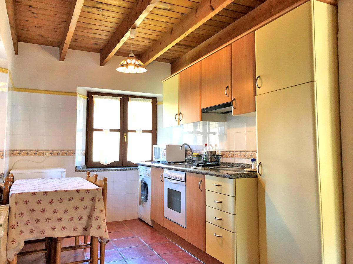 cocina apartamento rural pierzu