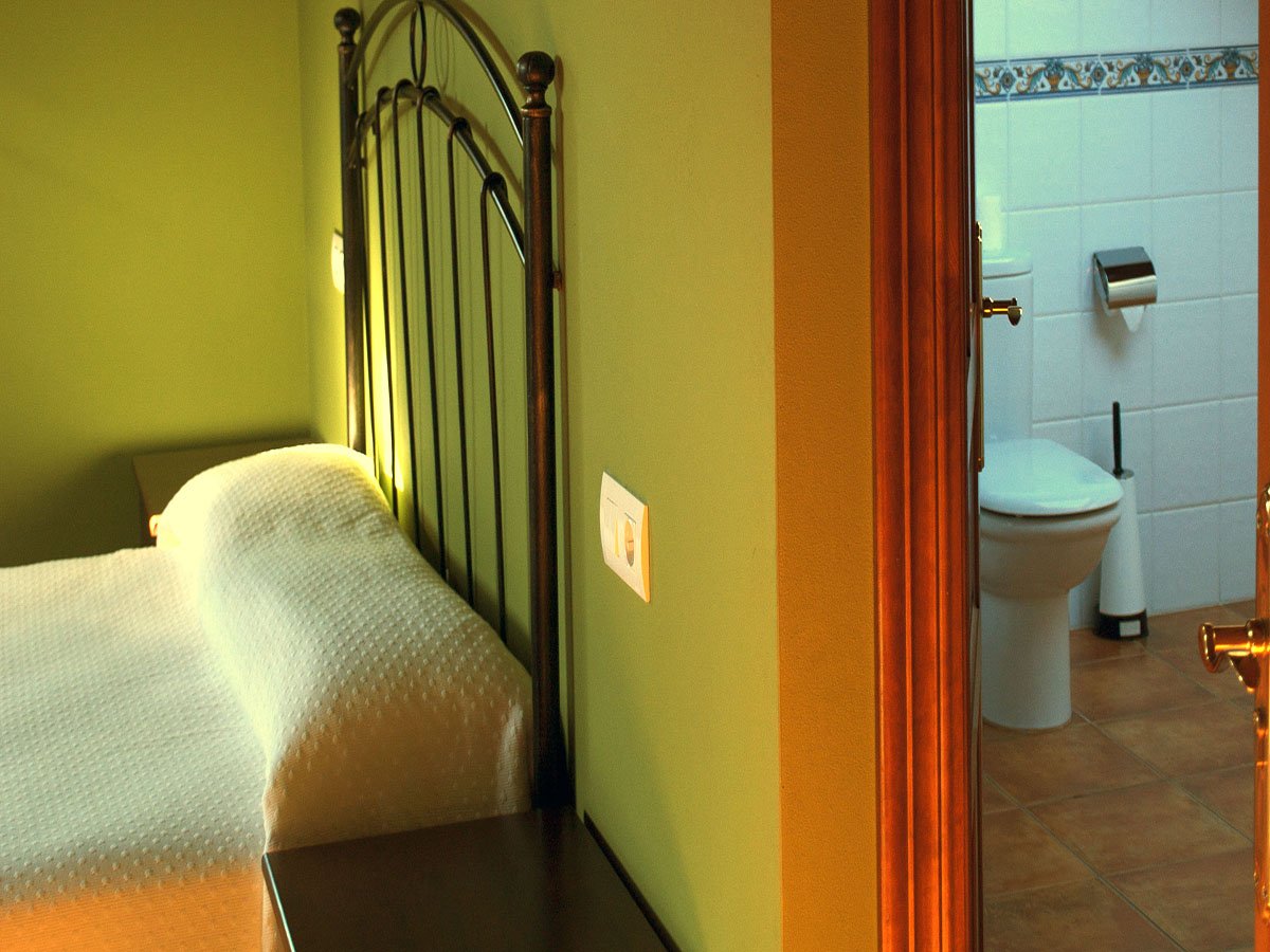 habitación-triple-lavabo