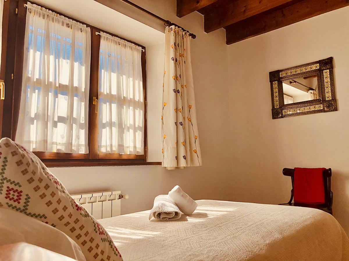 habitación individual alojamiento con terraza